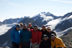 Gruppenfoto vor der Wildspitze, Foto: Bernd Limbach